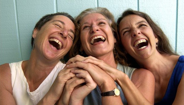 risadas amigos
